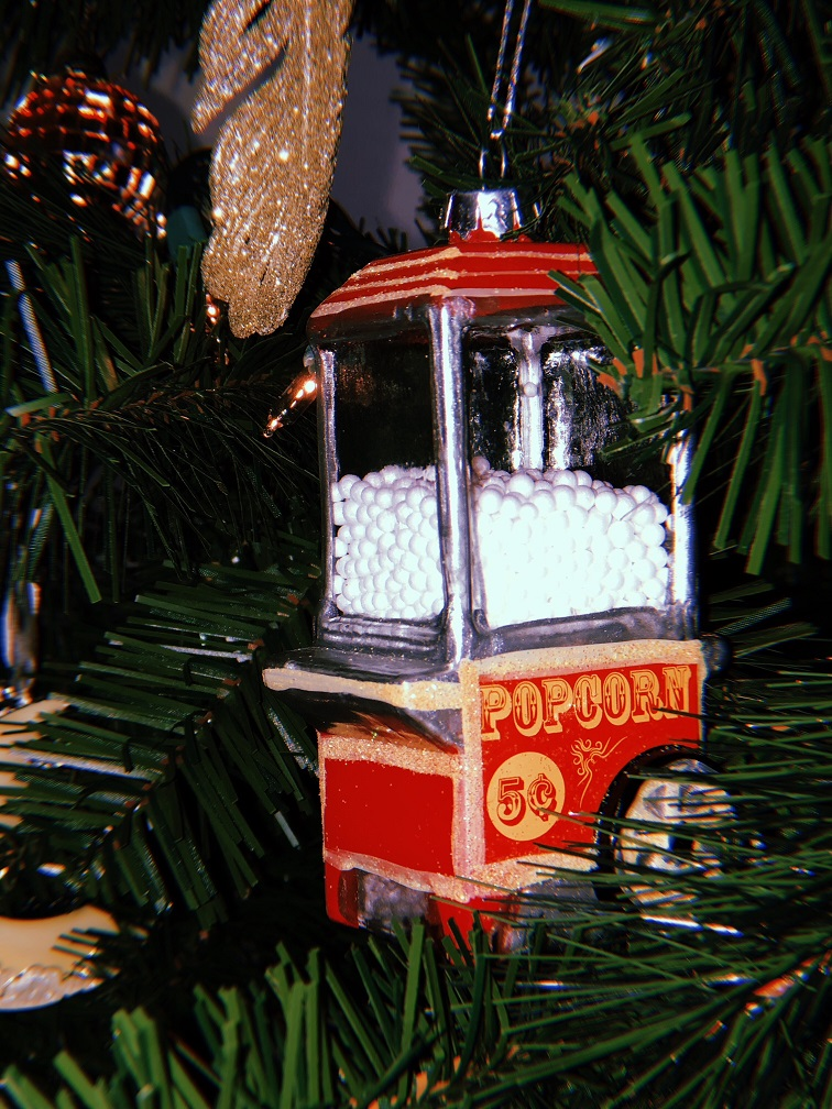 Popcorn Ornament: A birthday gift I keep out year round.